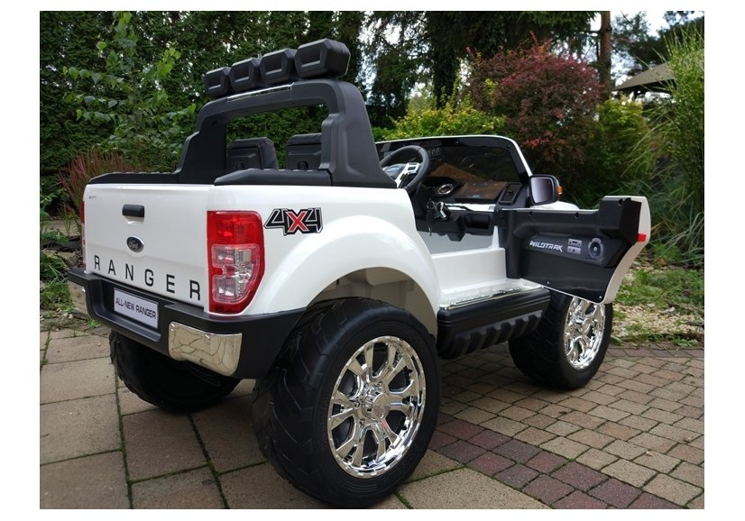 new ford ranger white 4x4 electric ride on car electric ride on vehicles cars. Black Bedroom Furniture Sets. Home Design Ideas