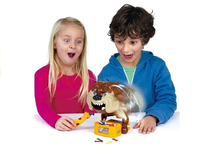 Bissiger hund spiel geschicklichkeitspiel für kinder